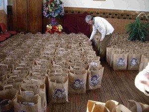 Les-colis-cadeaux-300x225 dans conseil municipal