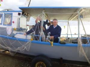 Paul Ellart, maire adjoint, de retour avec l'eau bénite