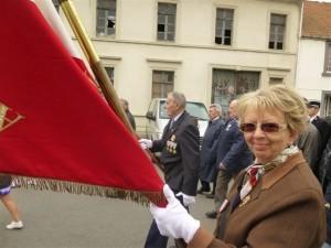 Evelyne Ruano, porte-drapeau ( r)
